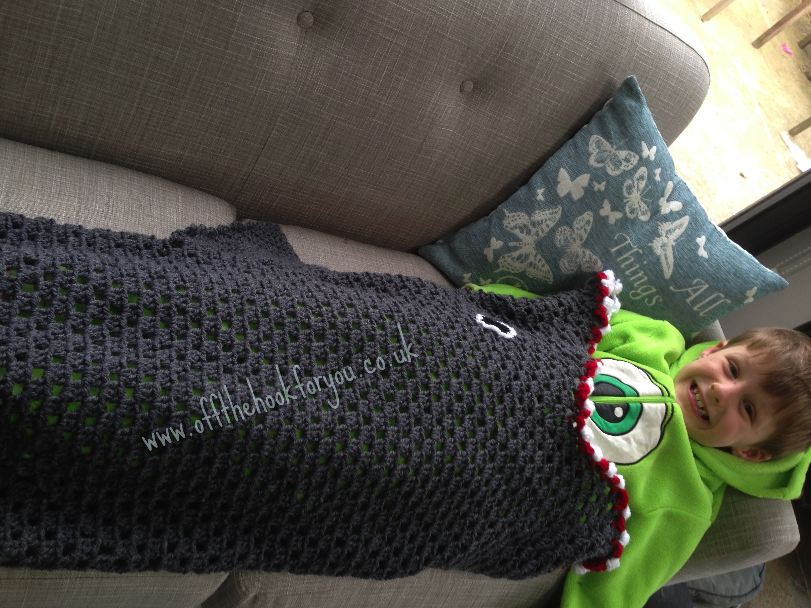 Knitting Pattern For A Shark Blanket : Eaten by a Shark - The pattern .... finally - offthehookforyou